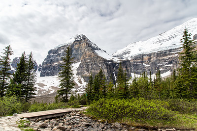 Lake Louise, Plain of Six Glaciers Teahouse - Banff National Park