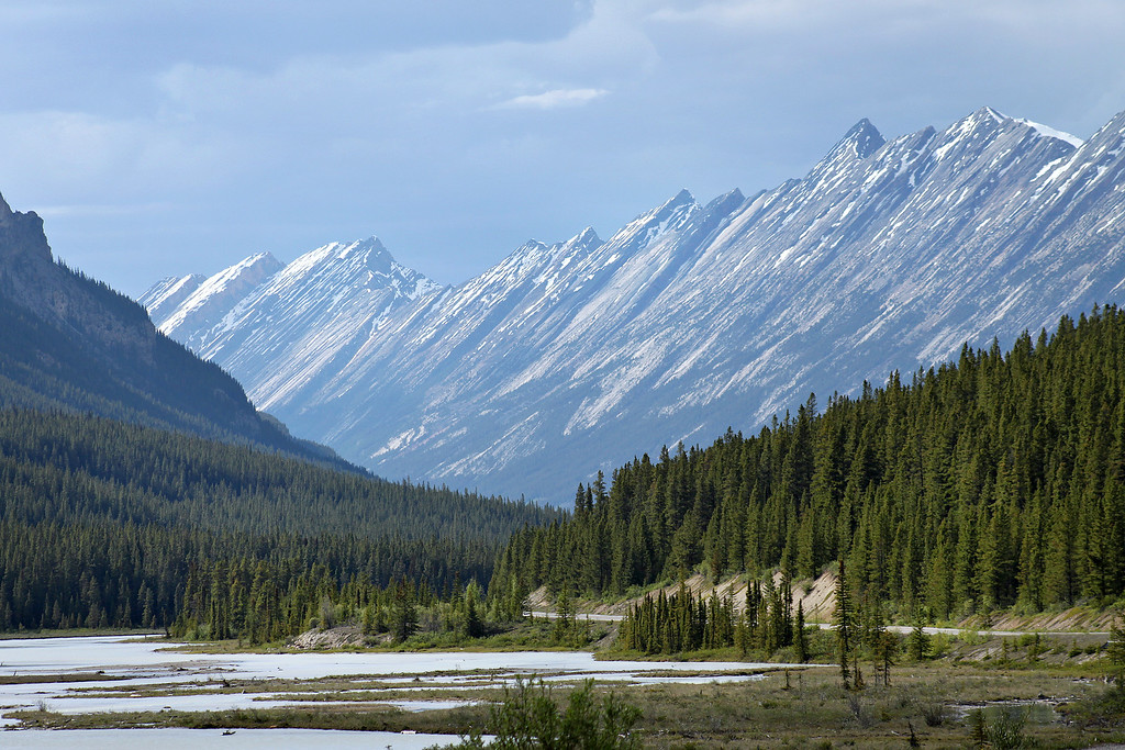 Icefields Parkway Road Trip – Jagged Mountains