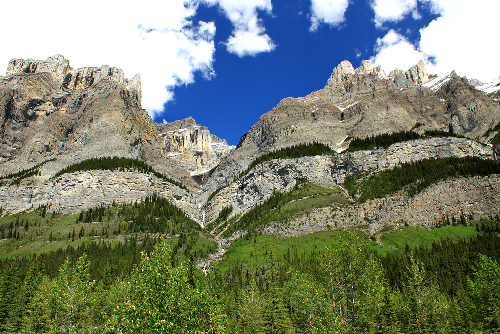 Icefields Parkway Road Trip – Curvy Mountains