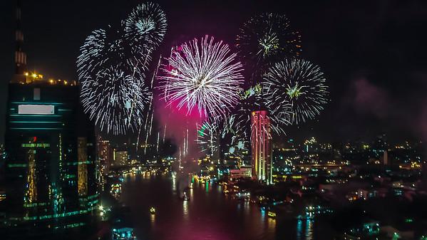 Loy Krathong Fireworks over the Chao Phraya River, Bangkok 2006