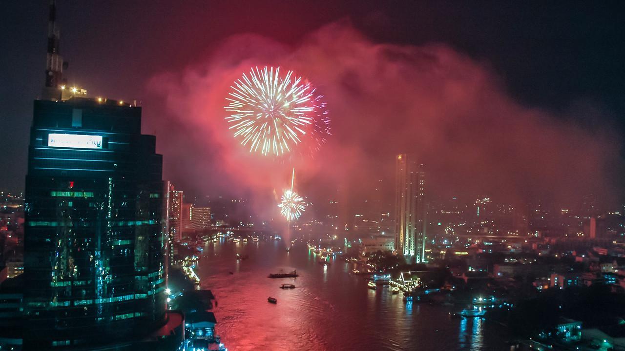 Loy Krathong fireworks over Chao Phraya River, Bangkok 2006