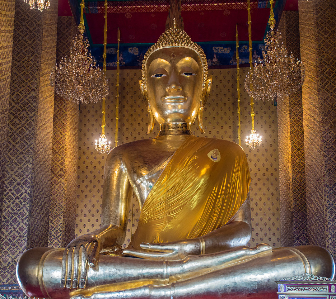 Largest sitting Buddha in Thailand