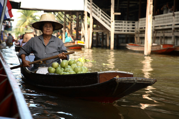 A resident peddling fruits along the canal in the floating market, Damnoen Saduak. All sorts of goods were available. Sadly, it feels very commercialised since it is such a  tourist attraction, but it was still well worth visiting.