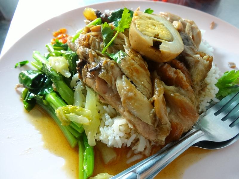 Stewed pork and egg on rice