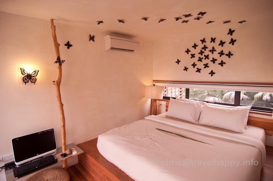 Bedroom and Computer, Bangkok Tree House Hotel