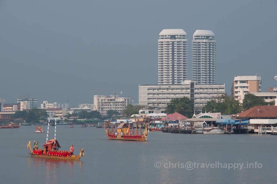 Thong Kwan Fa Barge and Royal Barge Suphannahong lead the Royal Barges Procession, Bangkok, Thailand 6 November 2012