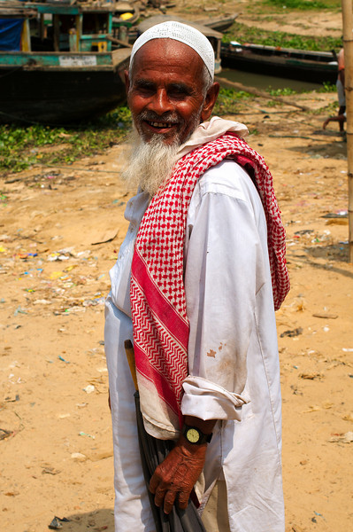 A friendly local at Rangamati's main port