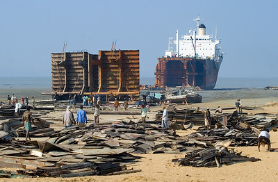 Chittagiong ship breaking 2007.