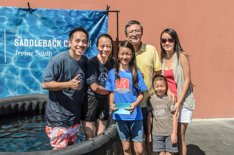 Saddleback Irvine South Sunday worship baptism - photo by Allen Siu 2015-09-27
