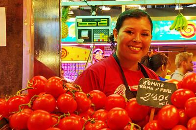 La_Boqueria_Tomato-Girl_D3S0093