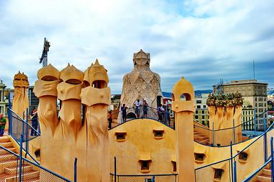 Gaudi_Museum_rooftop_D3S8008