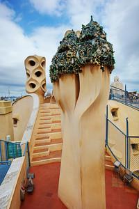 Gaudi_Museum_Terrace-top_D3S0105