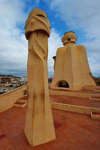 Gaudi_Museum_2Chimneys_D3S8001