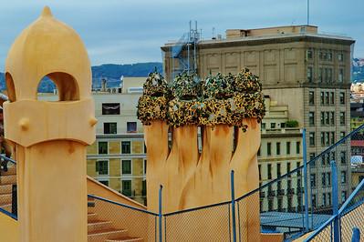 Gaudi_Museum_chimneys_D3S0097