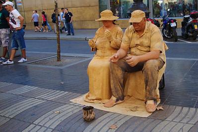 LaRambla_Woman&Man_Sandpeople_D3S0134