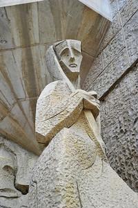 Sagrada_Familia_Statue_sorrow_D3S0142