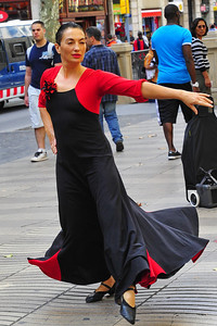 La_Rambla_Female_Dancer_D3S0119