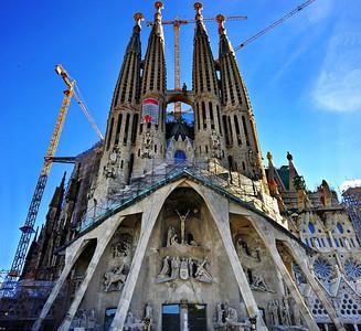 Barcelona_Sagrada_Familia_Pano-Facade_D3S0114