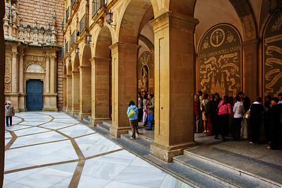 Montserrat_Basilica_Courtyard_Pillars_D3S0144