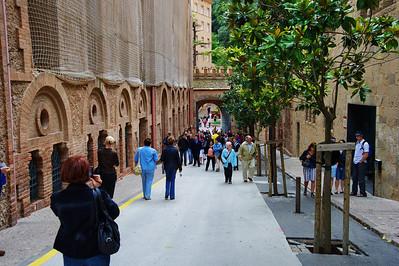 Montserrat_crowds_D3S0161