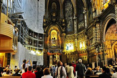Montserrat_Basilica_Interior_Back-wall_D3S0103