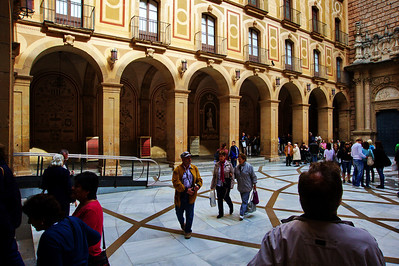 Montserrat_Basilica_courtyard_D3S0145