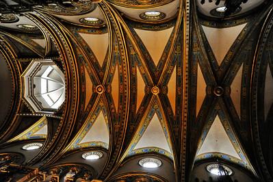 Montserrat_Basilica_ceiling_D3S0108