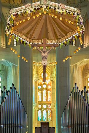 Thhe crucifixion above the alter in Gaudi's Sagrada Familia
