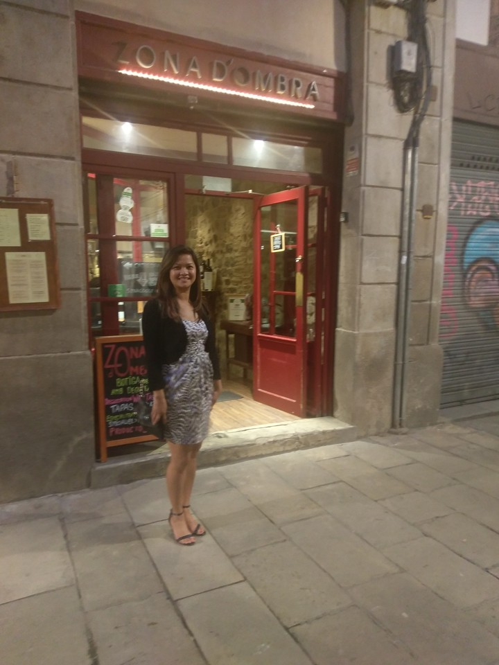 Lean, looking forward to a good meal, outside Zona d'Ombra