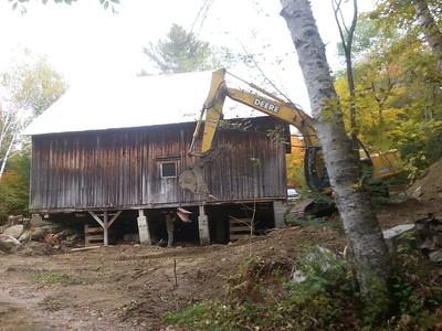 Barn foundation reconstruction