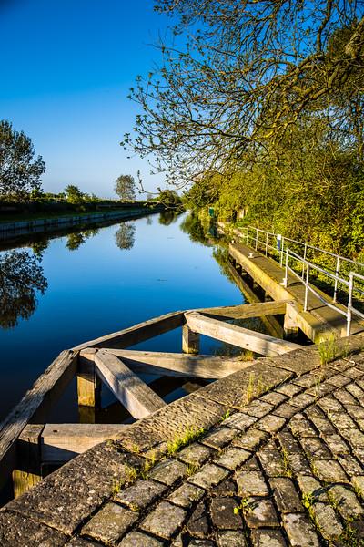 Kirk Bramwith canal lock
