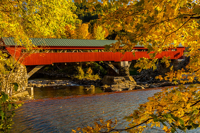 Taftsville Covered Bridge in Fall