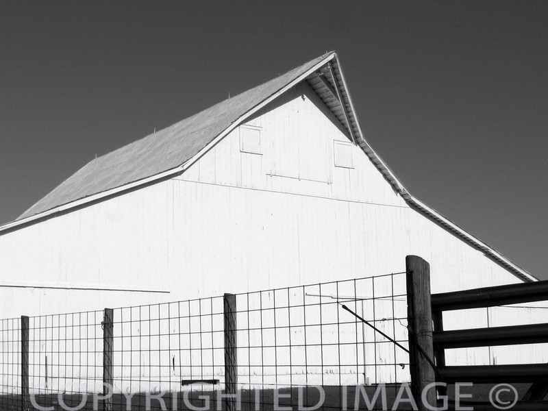 Gambrel extended style barn near Charleston, IL