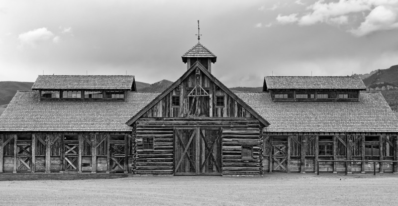 Old Colorado barn