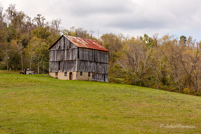 Borderline-derelict Barn - Washington County (OH)