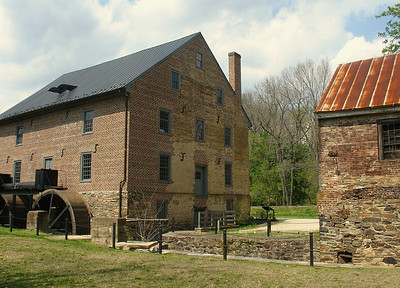 Barns & Mills
