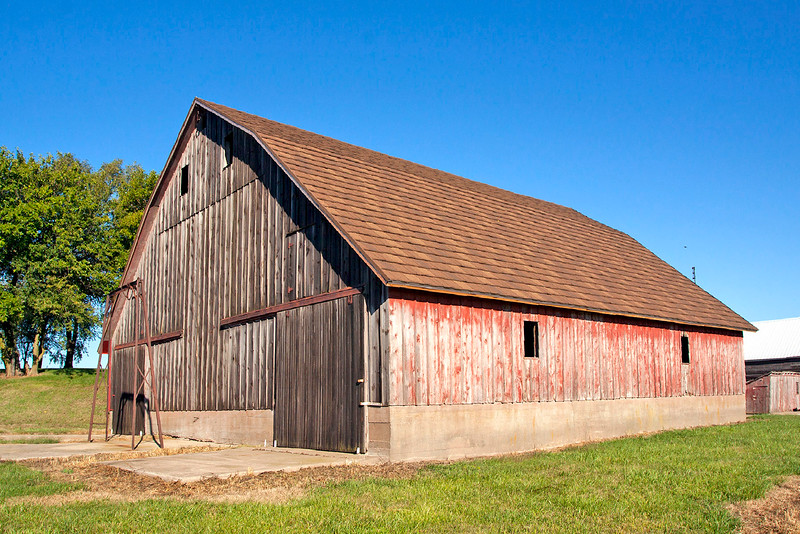 Schroeder Barn  ( Muscatine County )