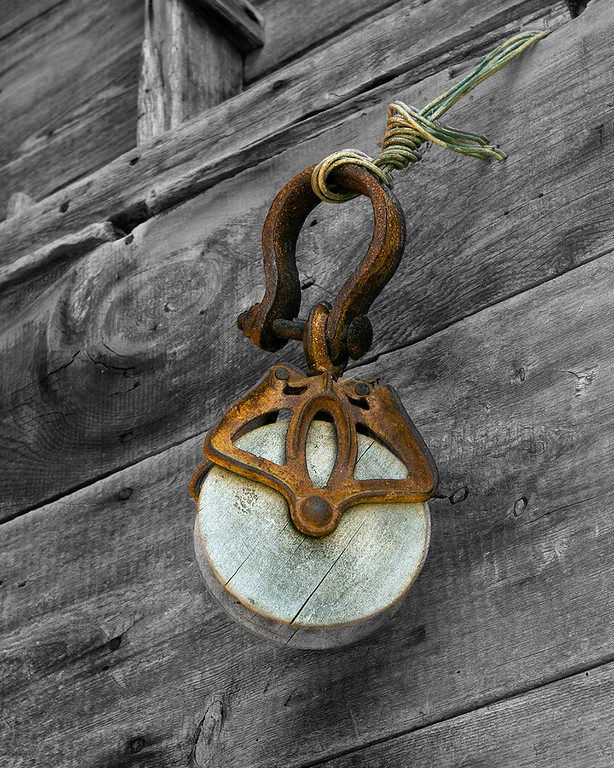 Old rope pulley 047-45