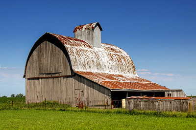 Angle road barn/corn crib_3757