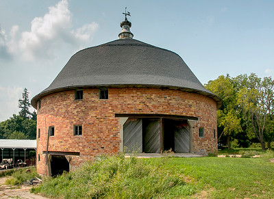 Iowa County round barn-46