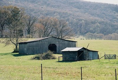 Barns of Tennessee