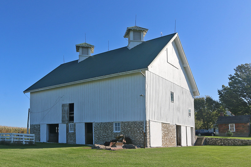 1916 English Bank Barn