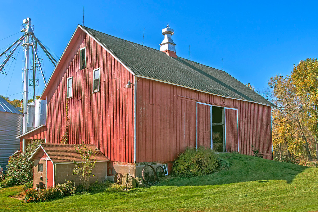 1847 Barn in Mucatine County.
