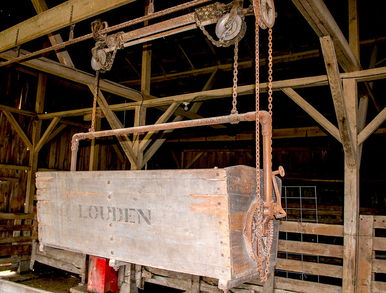 Wooden  Louden feed carrier