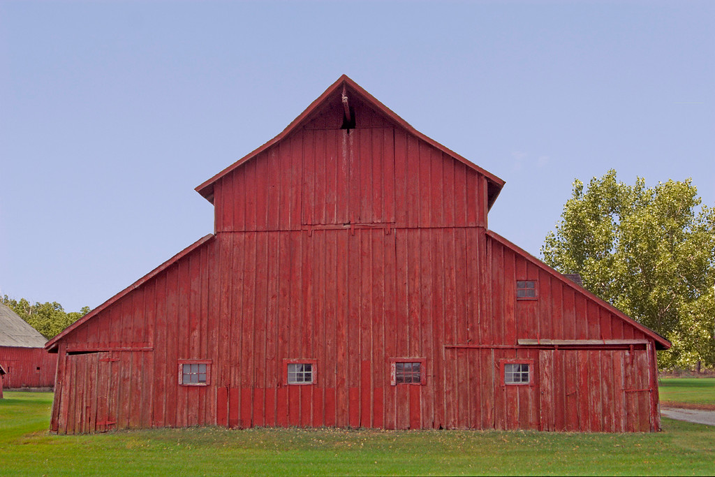 1870 McCallister Barn