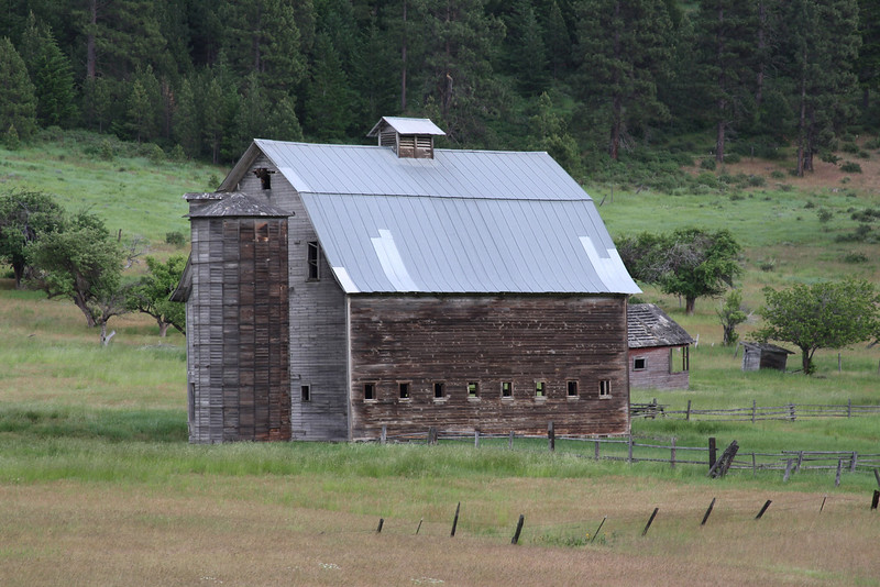 Old Barn in State of WA.