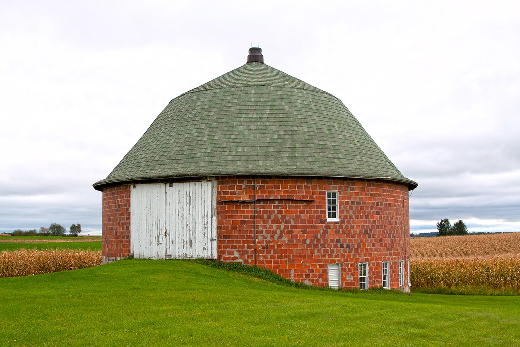Round tile Barn in WI