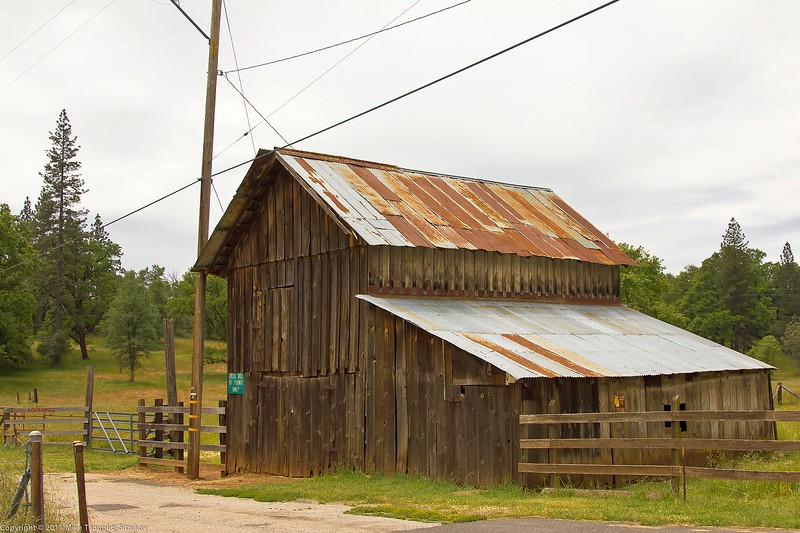 Old barn, Mountain Ranch