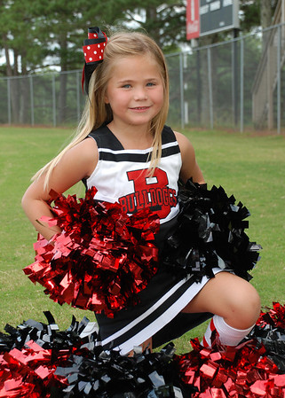 Schmeltzer Bulldoggs Cheerleader 2012