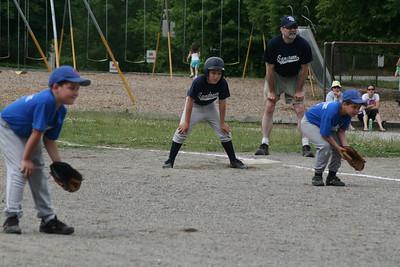End of Season Baseball 6-20-09 093